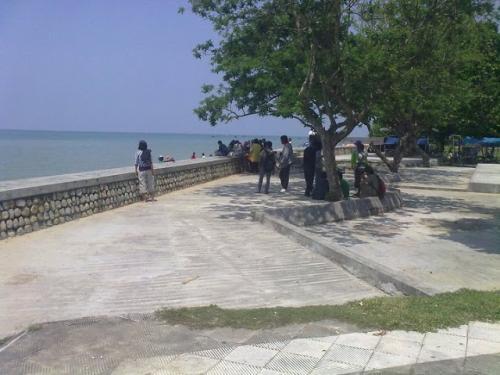 pantai-camplong-views
